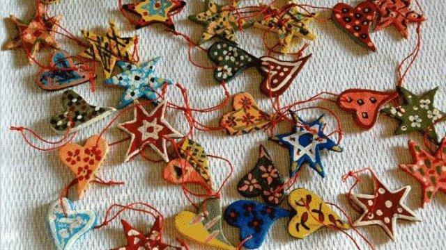 Addobbi di natale fatti in casa le idee dal web fastweb - Decorazioni natalizie fatte a mano per bambini ...