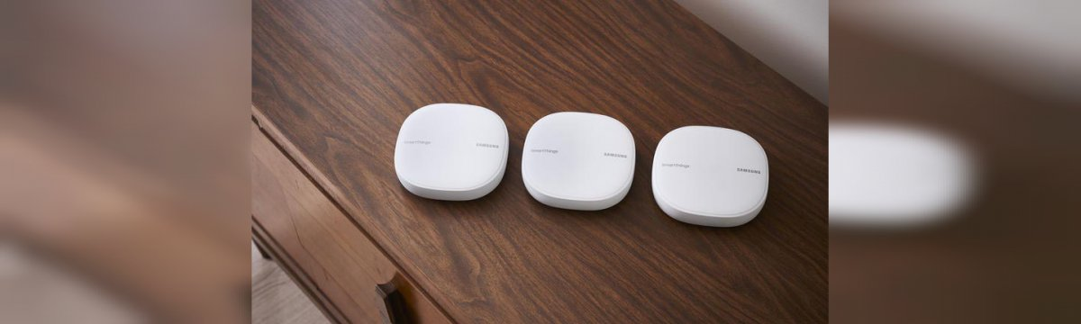 Tre router SmartThings Wi-Fi di Samsung