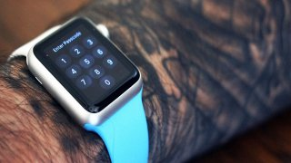 Apple Watch, sul web parte il tattoo-gate
